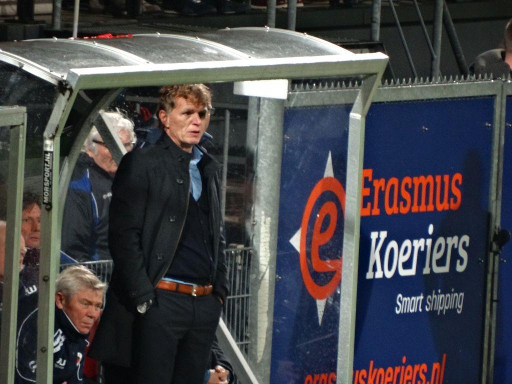 Zorgelijke blik bij Alfons Groenendijk.