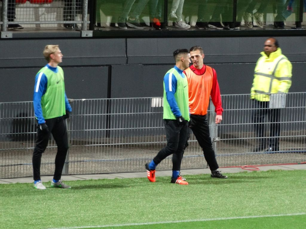Yoëll van Nieff liep warm maar mocht niet invallen.