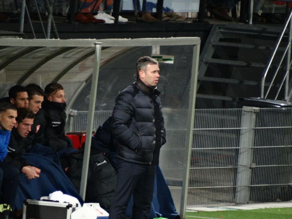 De geplaagde Twente trainer Rene Hake.