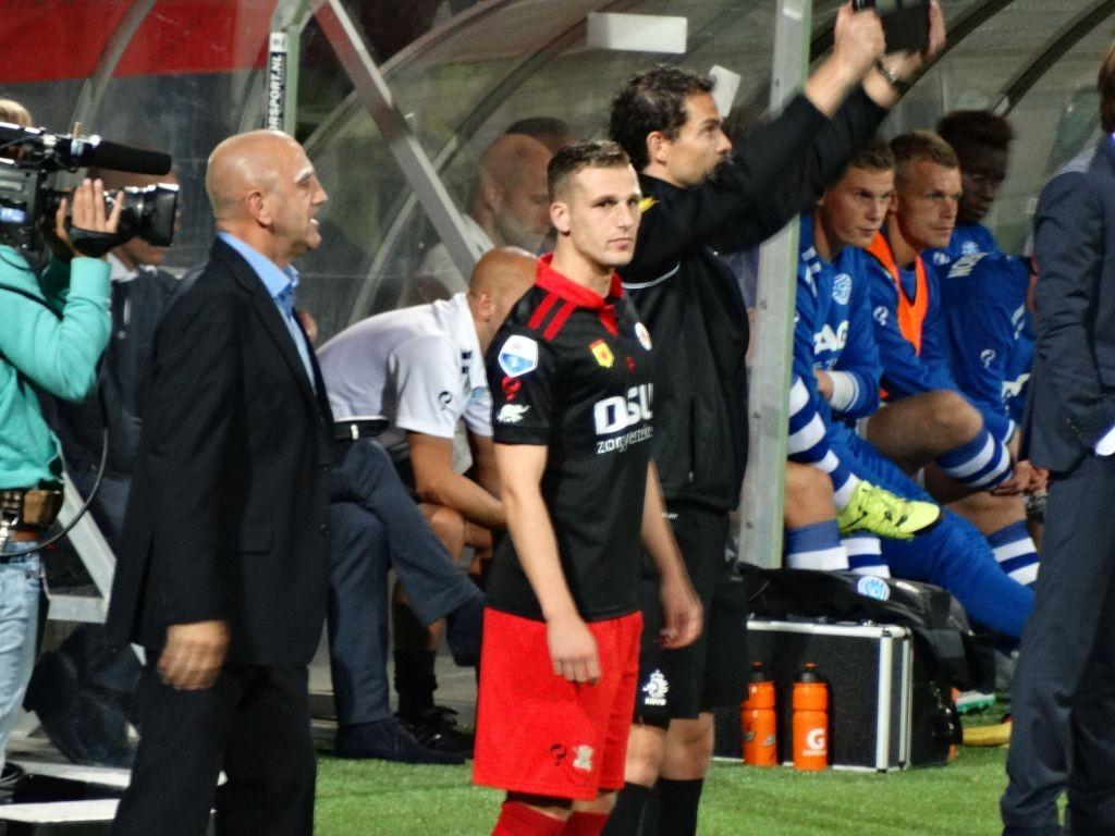 Yoëll van Nieff, gehuurd van FC Groningen, maakte zijn officiële debuut voor onze club