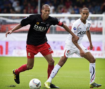 Ryan Koolwijk in actie tegen Feyenoord